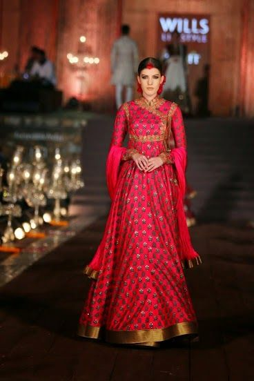Stylettos Bride: WILLS LIFESTYLE INDIA FASHION WEEK SPRING-SUMMER 2015 GRAND FINALE BY ROHIT BAL