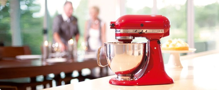 KitchenAid - my new baby. We called it 'Henry' - it's red, like my favourite bad a**, King Henry VIII: Red Kitchenaid, Kitchens Appliances, Wishlist, Blenders, Kitchenaid Stands, Kitchen Appliances, Food Processor, Kitchenaid Mixers, Kitchenaid Kitchens