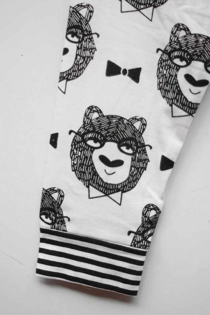 Bears Don't Like Bananas sleepwear set