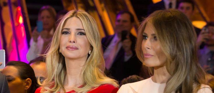 La parfaite petite famille américaine vient tout juste de prendre ses quartiers à la Maison Blanche : et oui, Donald Trump a été investi Président des Etats-Unis ce vendredi 20 janvier 2017, et les choses sérieuses vont maintenant pouvoir commencer. Mais il y en a deux qui ont un peu de mal à définir leur rôle respectif : Melania et Ivanka Trump ne se supportent pas, et se disputent la place de First Lady... On vous raconte !