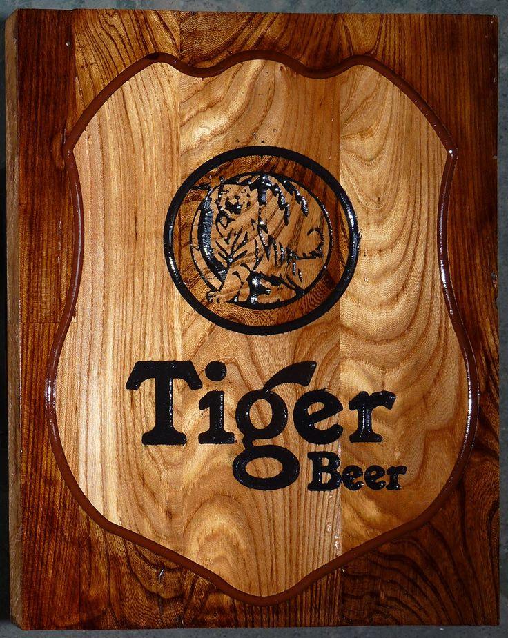 Targa in rovere incisa Tiger Beer