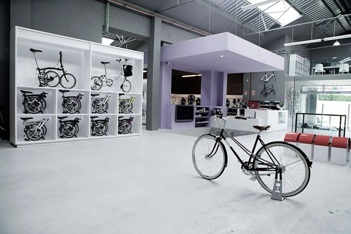 Pave Bicycle Shop By Joan Sandoval Architect Barcelona