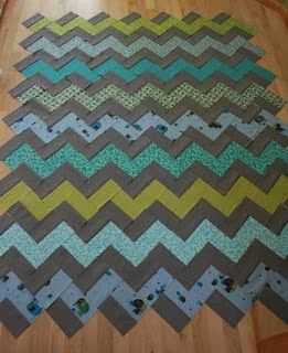 crazy mom quilts: how to make a zig zag quilt (without piecing triangles!) needs quarter yard pieces.