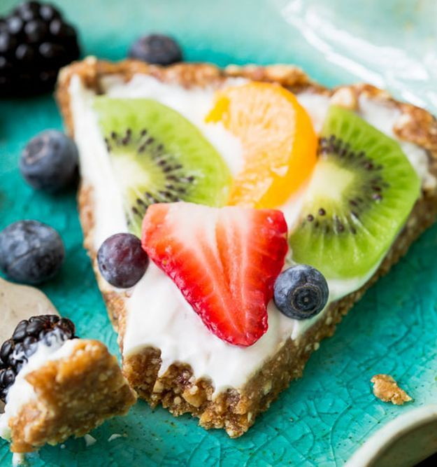 Greek Yogurt Fruit Tart | 11 Healthy Greek Yogurt Recipes | Healthy Desserts You Must Try Now! | Homemade Recipes at http://homemaderecipes.com/11-greek-yogurt-recipes/