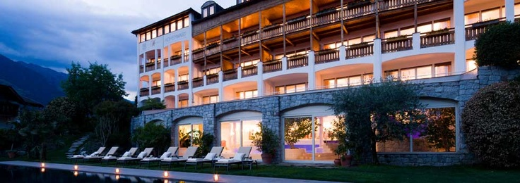 Wellnesshotel Schenna,*4s Hotel Hohenwart in  Schenna bei Meran Südtirol. www.hohenwart.it
