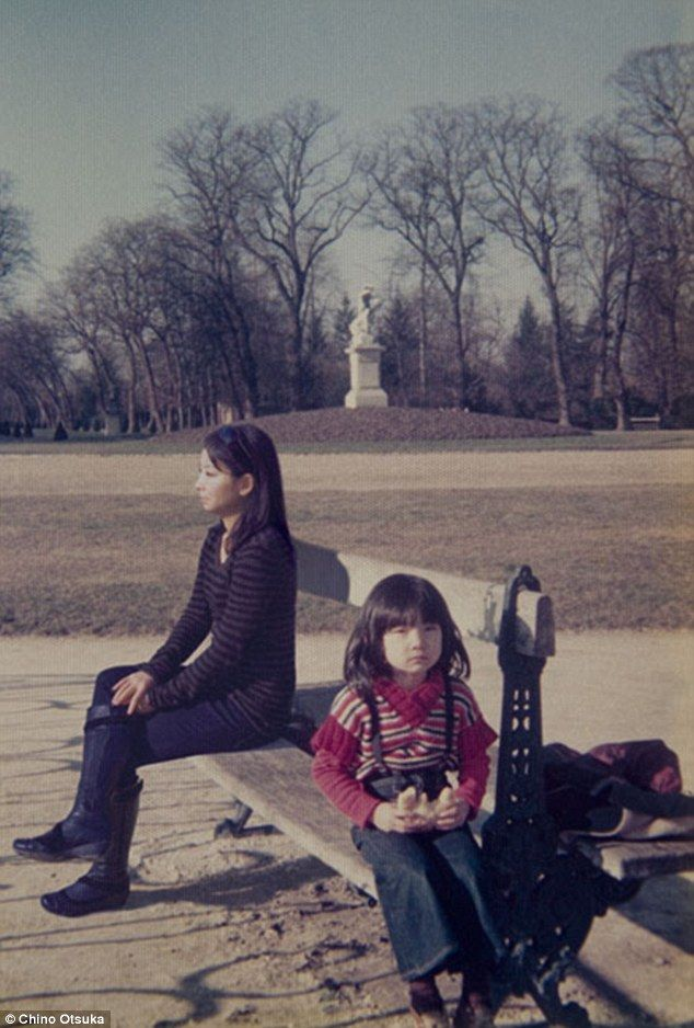 Woman Photoshops Present-Day Self into Childhood Photos - My Modern Metropolis
