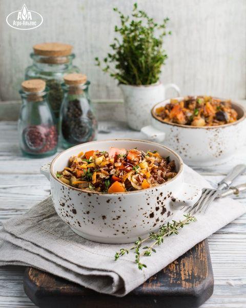 Овощное рагу с красным рисом