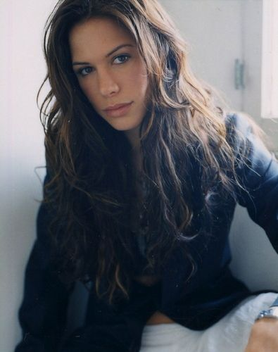 Rhona Mitra. Love her hair!!! 3/4 Brit and 1/4 Bengali (Indian)