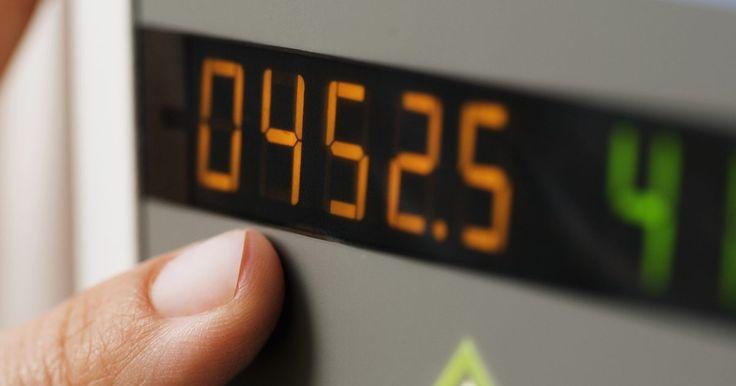 Como elevar números decimais a potências. Elevar números decimais a potências pode ser complicado pois envolve a vírgula decimal, porém é possível fazer o cálculo de forma mais fácil ao remover essa vírgula, multiplicando os números e somando a quantidade correta de casas decimais após a operação. As regras matemáticas sobre casas decimais também fornecem um método para ajudar a verificar ...