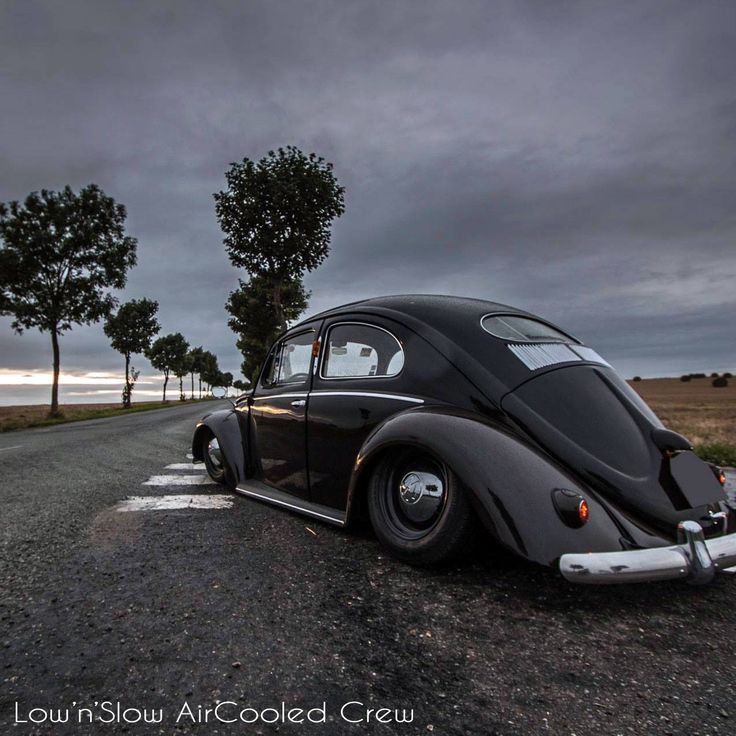 ..._low black oval #vw