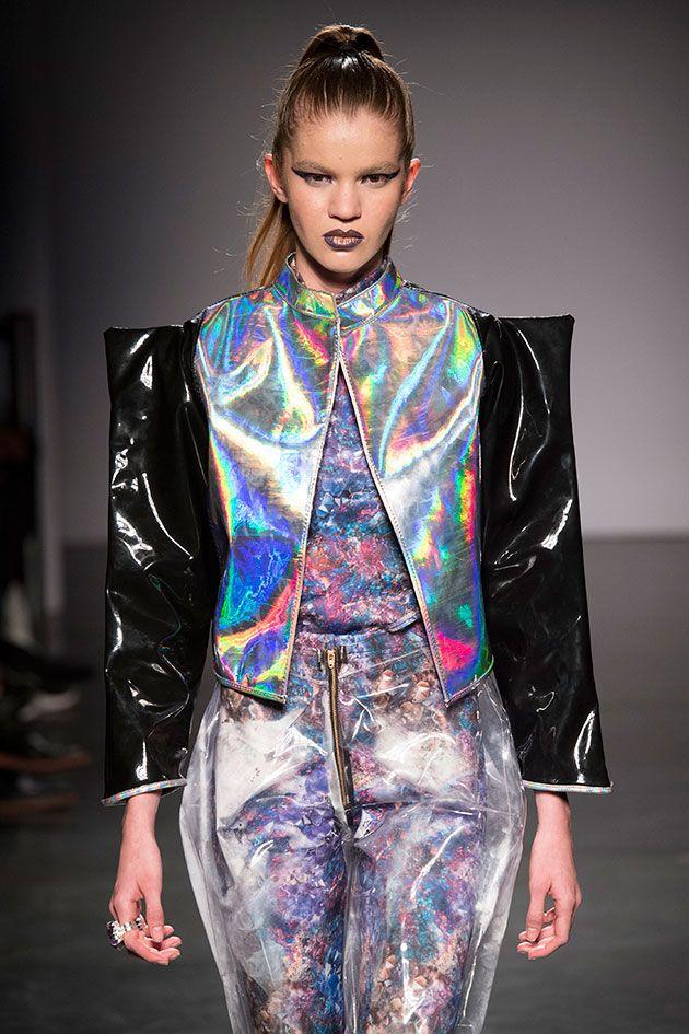 A Acrvo da dupla Hugo Ito e Lucas Romano propõe uma moda jovem e, pra essa coleção de estreia, se  inspira em minérios