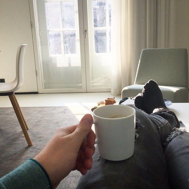 Photo #940439281929953067 from @ogerik. Good morning Maastricht! Wakker worden met een verse Nespresso en het zonnetje door de ramen! Zo de stad in! #maastricht #TEFAF #weekendjeweg