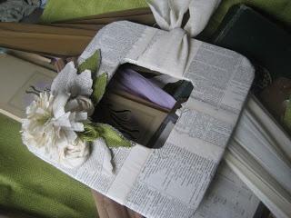 uma coroa de flores simples Vintage ou porta retratos