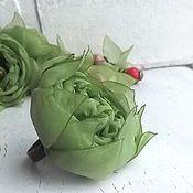 Купить или заказать Кольцо с цветком из ткани. Пыльная роза. в интернет-магазине на Ярмарке Мастеров. Кольцо с цветком из ткани приглушенного оттенка пыльной розы. Кольцо безразмерное. Цветок (без листьев) в диаметре 4.5 см. Кольцо с цветком из ткани - нежное оригинальное украшение. --- Выбранные украшения резервируются на 3 дня. Хотите быть в курсе новинок? Выберите опцию 'Добавить в круг'. Информация о доставке и телефон для быстрой связи здесь www.livemaster.