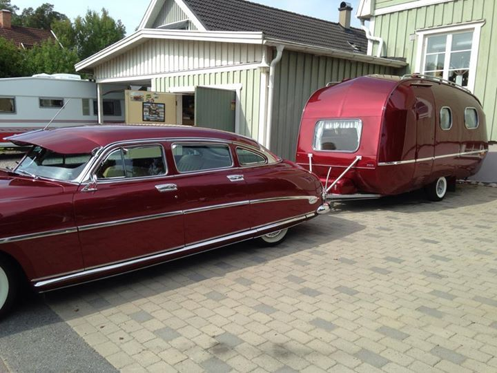1952 Hudson Hornet towing a 1965 SMW (Swedish camper).