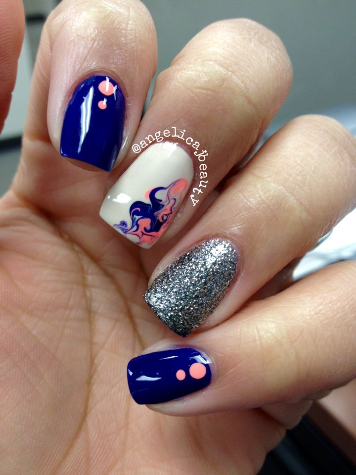 Navy and coral nails! What do you think @thatgirlshaexo? Nail art manicure