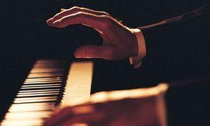 """Groupon - 1 Ticket für das Klavierkonzert """"Chopin Pur"""" mit Pavel Kuznetsov am Sa., 14.05. oder 18.06.2016 um 20 Uhr (50% sparen) in Französischer Dom. Groupon Angebotspreis: 21€"""