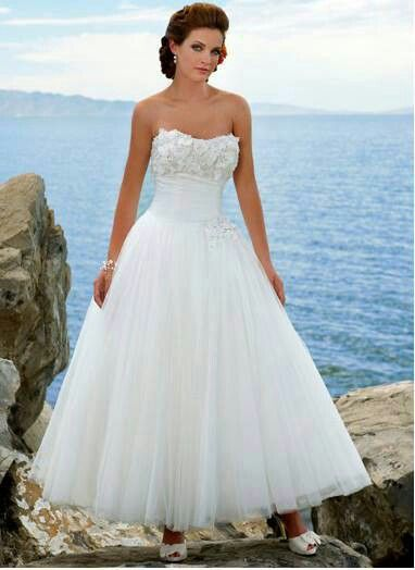 Beautiful wedding dress with beautiful view!!