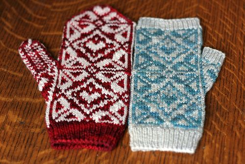 This pattern includes instructions for either a fingerless mitt or a complete mitt.