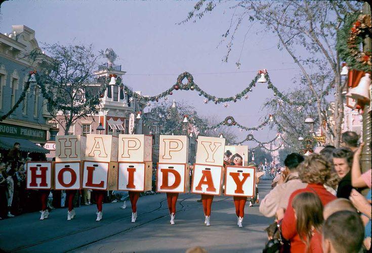 GORILLAS DON'T BLOG: Disneyland Christmas Parade, 1961 - Part 1