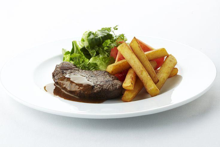 Biefstuk friet met sla
