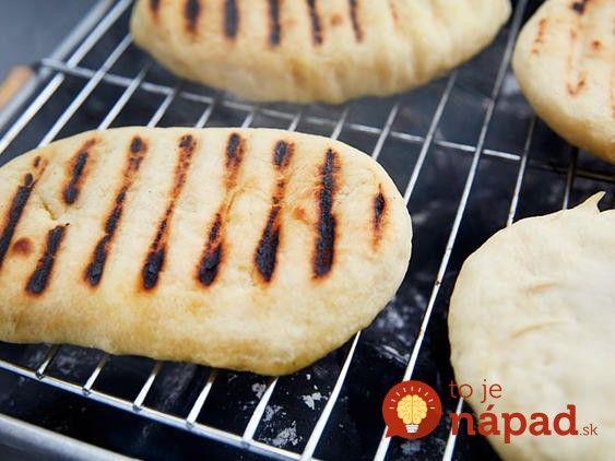 Na ďalšiu grilovačku nekupujte chleba: Urobte si toto jednoduché cesto a chrumkavú náhradu chlebíka upečiete na grile za 6 minút!