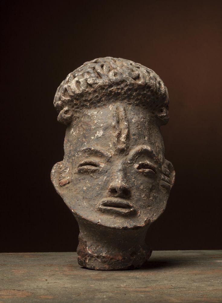 Art Africain : Ashanti, d`afrique : Ghana, statuette Ashanti, masque ancien africain Ashanti, art du Ghana - Art Africain, statue africaine, Masque africain, l`Afrique au travers de ses masques africains et de ces statuettes africaines. Masque africain en belgique, masque africain originaux. . Art africain en Belgique et exposition masque d`Afrique.
