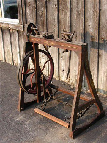 treadle lathe - looks easy enough to build