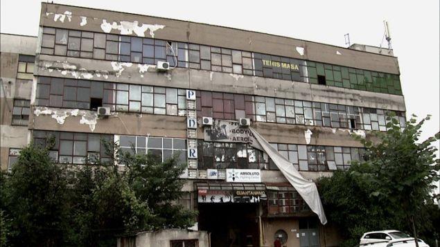 EXCLUSIV | Bataie mare pe cladirea in care se afla clubul Colectiv! S-a cerut blocarea conturilor firmei care detine fabrica Pionierul! Imobilul ar urma sa fie demolat | WOWBiz