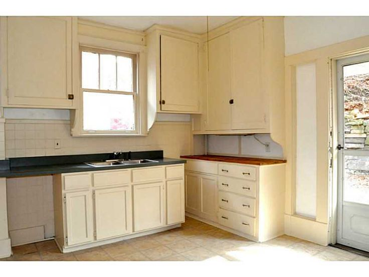 Best Original Inset Cabinets Overhead With Latches And Partial 400 x 300