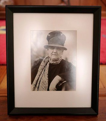 1928-Original-Jane-Addams-Suffragette-Nobel-Prize-Hull-House-Framed-Press-Photo. 1928 Original Jane Addams Suffragette Nobel Peace Prize Hull House B&W Framed Press Photo  DescriptionOriginal press photo of Jane Addams, Nobel Peace Prize winner and American Suffragette.  Photo from World Wide Photos in San Francisco, dated 9/10/1928.