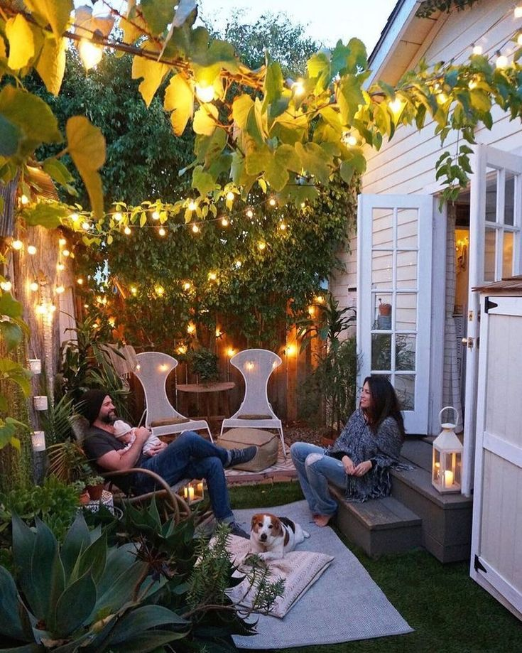 "5,079 Likes, 39 Comments - Vibeke J Dyremyhr (@interior_delux) on Instagram: ""This is so cute ✨✨ #backyard #patio #porch #fairylights #uterom #interior_delux Via domino"""