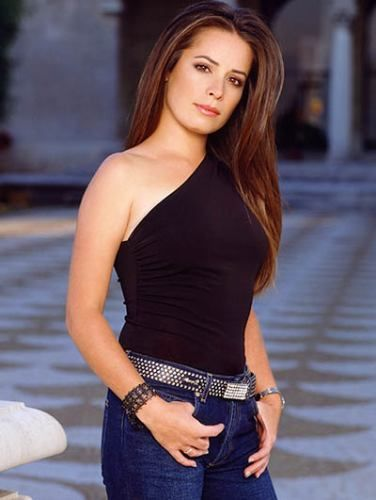 Piper played by Holly Marie Combs from Charmed