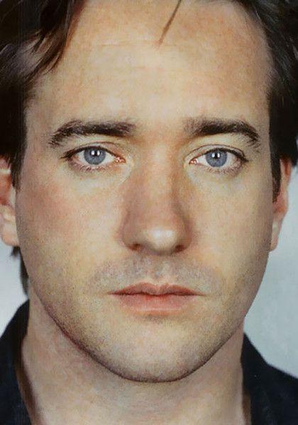 http://sharonlathan.smugmug.com/Portraits/Matthew-Macfadyen/i-wRv33H8/0/L/C7FCD85E1F-L.jpg