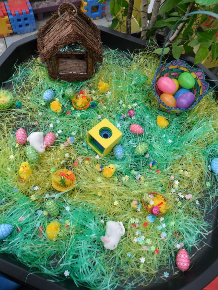 Easter Sensory Tub (from New Horizons Preschool; Site: http://www.newhorizonspreschool.com.au; FB: https://www.facebook.com/New-Horizons-Preschool-327521080642055/)