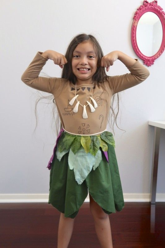Hello crafty fans today I will show you how to easily make a DIY Maui costume for girls and boys too. This project is so easy, perfect sewing project for ...