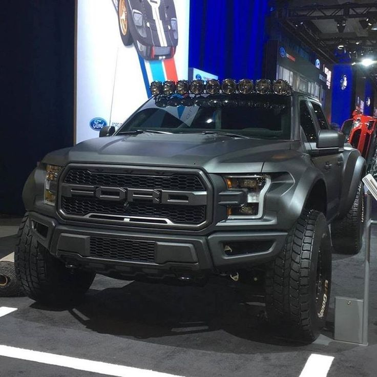ford raptor 2017 svt