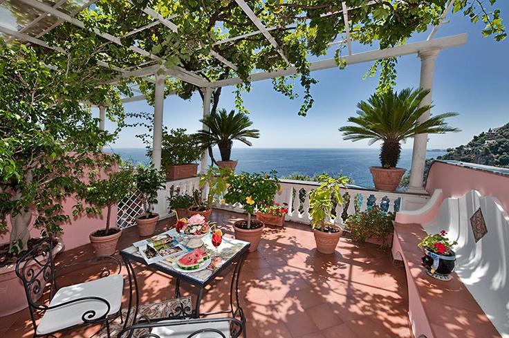 Hotel Villa Gabrisa       Positano, Provincia di Salerno, Italy | Small luxury hotel in the historic centre with great sea view.