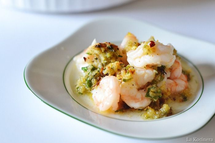 Baked shrimp scampi with lemon buttery herb panko topping