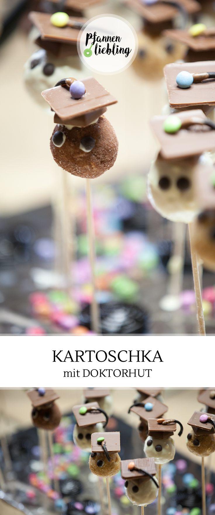 #Kartoschka – ist eine russische Süßspeise, die mit zu meiner (Alwina) Lieblingsnachspeise zählt. Keine Feier ohne Kartoschka :). Kartoschka bedeute auf russisch Kartoffel, und da das Aussehen dieser Süßspeise an eine Kartoffel erinnert, gab man dieser Nachspeise den Namen.