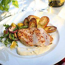 Kyckling med rostad vitlökskräm och örtpotatis (loved this) - 11p
