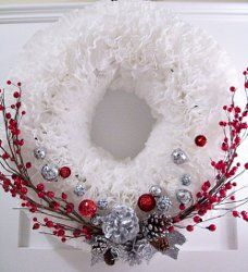 One of our most popular #crafts! This stunning #wreath is made from coffee filters! Find out how with this #tutorial.