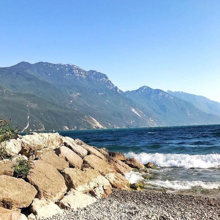 Dzisiaj nad Gardą jak nad morzem  #psc #paniswojegoczasu #wakacje #holidays #italy #wlochy #włochy #lagodigarda #rivadelgarda #urlop #wolne