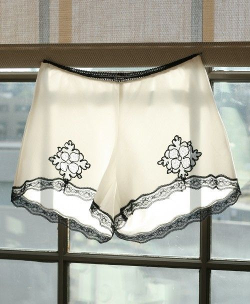 diy lace knickers -i want to make these sew bad (haha), but i don't know how to sew, so I will probably go to the store and buy some.