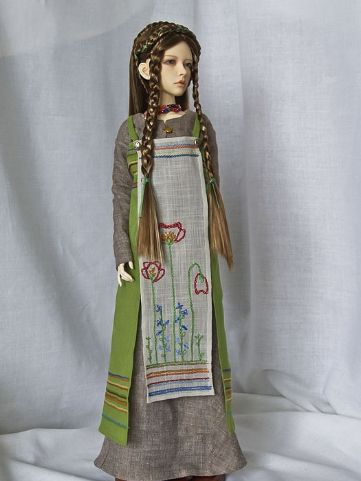 satachi on en of Angels created this gorgeous viking apron dress