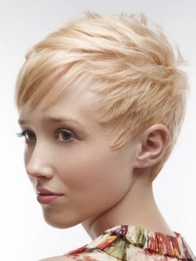 Casual Short Blonde Hairstyle 187 Homecoming Hairstyles