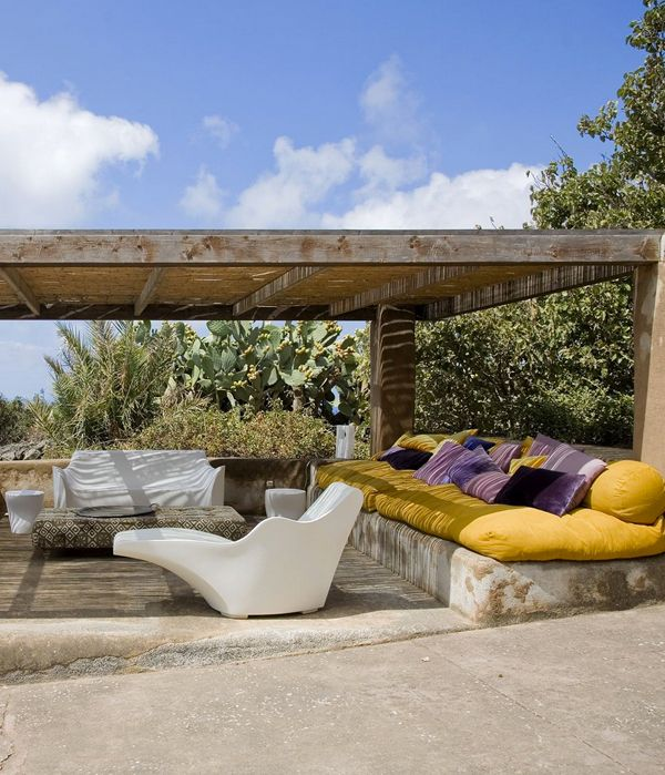 WEEKEND ESCAPE: A STUNNING HOME ON PANTELLERIA ISLAND   THE STYLE FILES