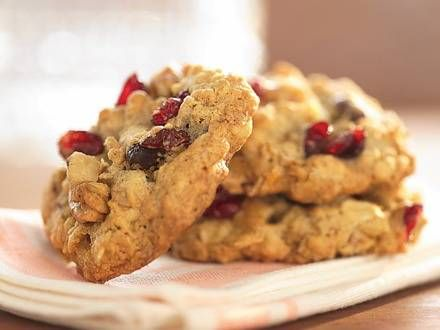 Rachael Ray's Official Website - Cranberry Walnut Oatmeal Cookies