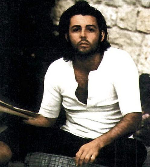 if this isn't the sexiest picture of sir paul mccartney i've ever seen, i'll be damned.