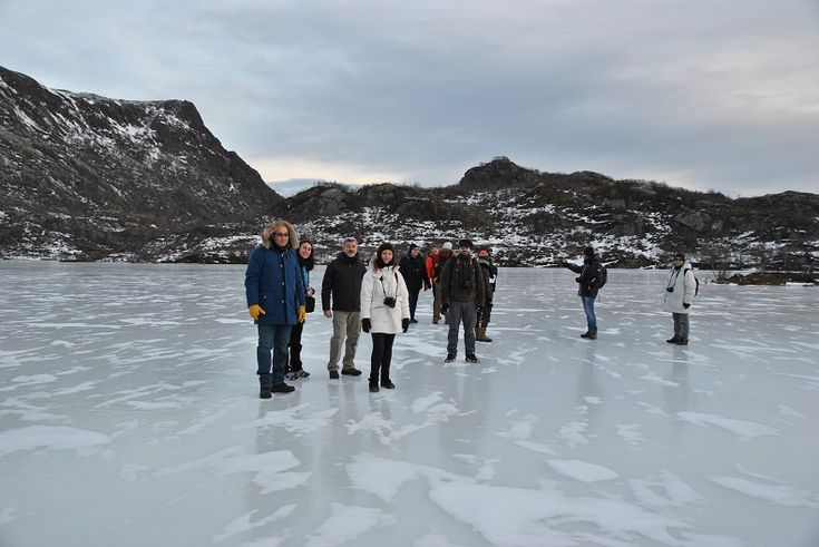 Camminare sul lago ghiacciato #MagicNorway